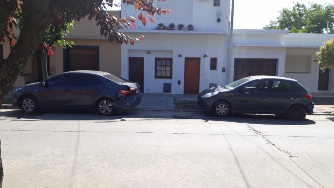 Dolores: perdió el control de su auto y chocó a tres autos - Entrelíneas.info