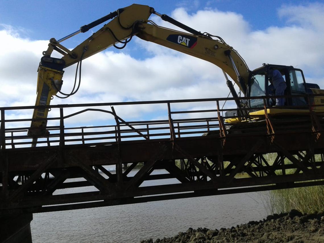Polémica demolición del Puente El Obispo por la construcción de la Autovía  de Ruta 11 | Entrelíneas.info