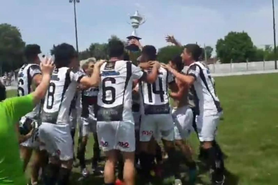Ever Ready es el campeón del fútbol de Dolores - Entrelíneas.info