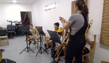 Imagen de La Orquesta Escuela de Chascomús ofrece hoy una recorrida virtual a sus instalaciones