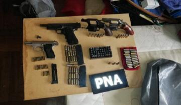 Imagen de Dos detenidos, drogas y armas en diez allanamientos en Mar del Plata y Coronel Vidal