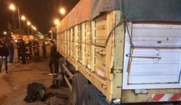 Imagen de Madrugada trágica en Monte: murieron cuatro jóvenes al estrellarse un auto contra un acoplado