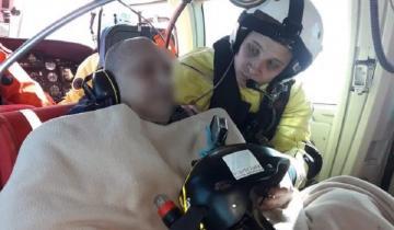 Imagen de Video: impresionante rescate en helicóptero de un marinero que se descompensó en el mar