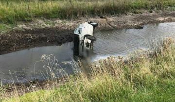 Imagen de Despiste y vuelco en la Ruta 2: dos personas heridas
