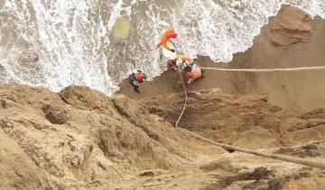 Imagen de Mar del Plata: cuatro surfistas tuvieron que ser rescatados del mar