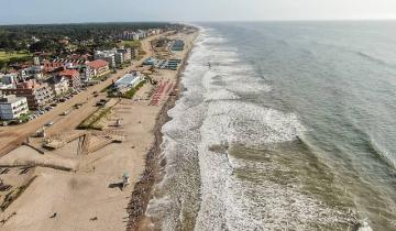 Imagen de Horas claves para el verano 2021: Costa reúne a los intendentes y Kicillof anunciará este lunes la temporada