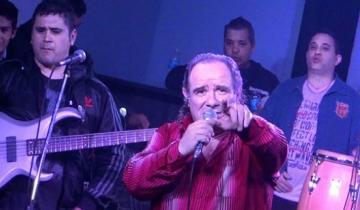 Imagen de Falleció en pleno show el cantante de la banda tropical Los Del Fuego