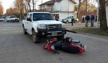 Imagen de General Madariaga: camioneta embistió a una moto y la arrastró varios metros
