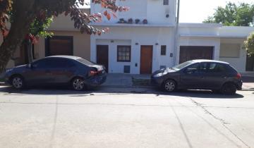 Imagen de Dolores: perdió el control de su auto y chocó a tres autos
