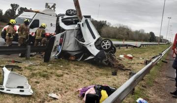 Imagen de Cañuelas: 4 personas murieron en un accidente en la autopista