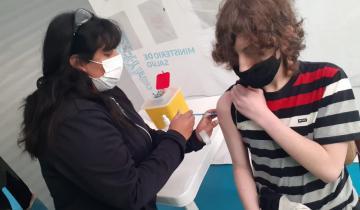 Imagen de Nuevo hito en la campaña contra el Coronavirus: comenzaron a vacunar a menores de 12 a 17 años