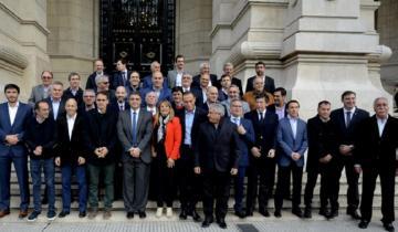 Imagen de Más de 40 intendentes bonaerenses se presentaron ante la Corte para reclamar por las tasas municipales
