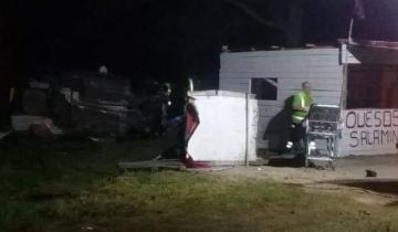 Imagen de Dos heridos graves tras choque y espectacular vuelco en la Ruta 2