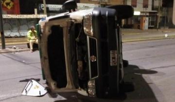 Imagen de Murió una mujer tras chocar y volcar la ambulancia del Hospital de Chascomús
