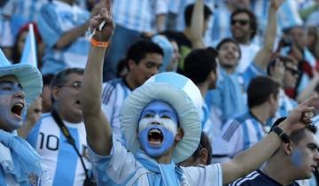 Imagen de Llega la Copa América en Brasil: ¿cuánto cuesta ir a alentar a la selección?