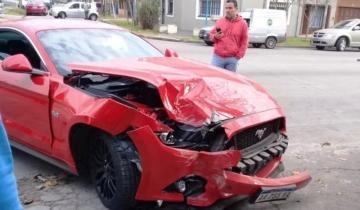 Imagen de Dejó su Ford Mustang de 70 mil dólares en un taller y se lo chocaron