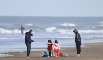 Imagen de Partido de La Costa: la cantidad de turistas en vacaciones de invierno superó la cifra del receso invernal de 2019, previo a la pandemia