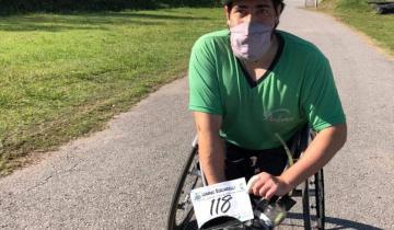 Imagen de Leandro Borlandelli y su pasión por el atletismo: carreras virtuales en silla de ruedas para pelearle a la pandemia