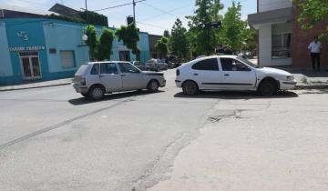 Imagen de Choque entre dos autos en Dolores
