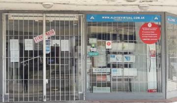 Imagen de Insólito: clausuran un local en Villa Gesell, ¡con su personal adentro!