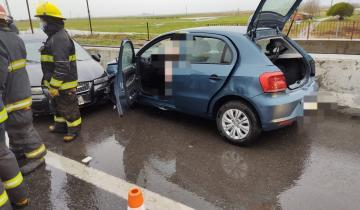 Imagen de Dos autos protagonizaron un fuerte choque en la Ruta 2