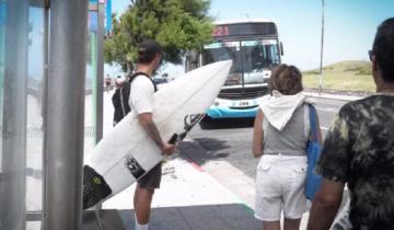 Imagen de La campaña de un surfista marplatense: pide que a los colectivos se pueda subir con tablas