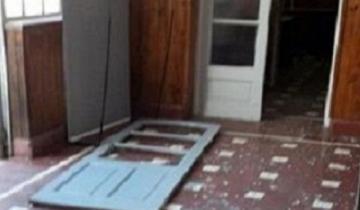 Imagen de Tres policías heridos por una explosión en la comisaría de General Belgrano