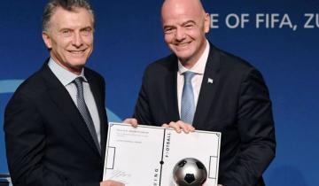 Imagen de Duras críticas a la designación de Mauricio Macri en la Fundación FIFA