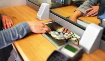 Imagen de Entre las PASO y el cepo, el retiro de depósitos llegó a los 5.900 millones de dólares