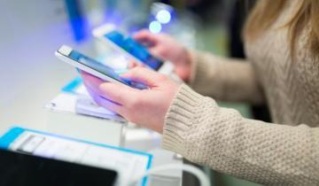 Imagen de El Banco Nación lanza una promoción para la compra de teléfonos celulares en 18 cuotas y sin interés
