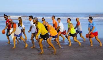 Imagen de Verano 2020: Volvió la Cumbia Guardavidas con una canción que enseña RCP