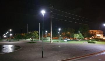 Imagen de General Madariaga: instalaron nueva luminaria en el Paseo del Bicentenario