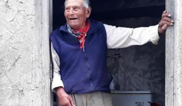"""Imagen de La historia de """"El Pibe"""" Correa, el pionero de San Clemente del Tuyú que construyó calles, un terraplén y hasta la ruta interbalnearia"""