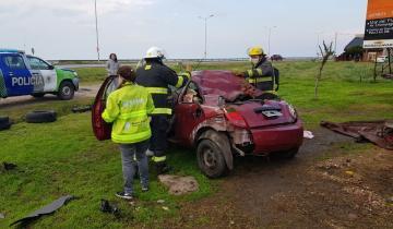 Imagen de Fuerte accidente en la Ruta 11: dos personas debieron ser trasladadas
