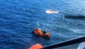 Imagen de Espectacular rescate en altamar: Prefectura aeroevacuó de urgencia al tripulante de un pesquero