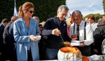 Imagen de Mauricio Macri participó del tradicional locro en Olivos