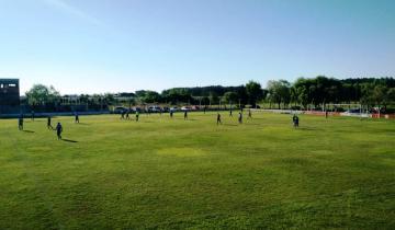 Imagen de La Provincia habilita del turismo de reuniones y autoriza el ingreso de público en las ligas regionales y municipales