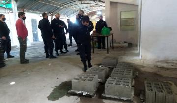 Imagen de Reinauguraron una fábrica de bloques de cemento en la Unidad 6 de Dolores
