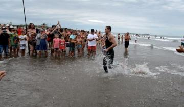 Imagen de Continúa la desesperada búsqueda del nadador que desapareció en Necochea