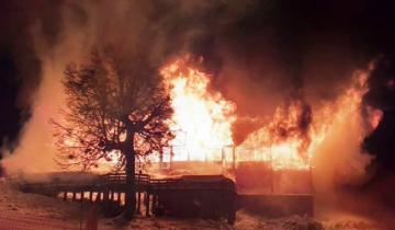 Imagen de San Martín de los Andes: incendio en una confitería del cerro Chapelco