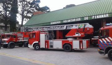 Imagen de Pinamar: se quiso tirar de un primer piso, los bomberos lograron controlarla y luego se escapó del hospital