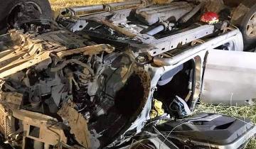 Imagen de Ruta 74: dos personas heridas tras el vuelco de una camioneta