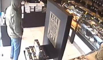 Imagen de Video: así dos ladrones asaltaron una panadería en Mar del Plata