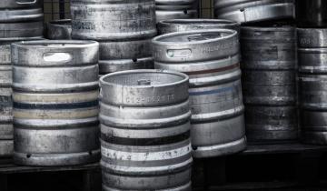 Imagen de Mar del Plata: robaron barriles de cerveza guardados con fines solidarios en un barco hundido