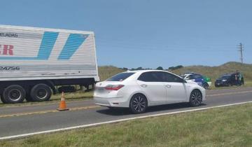 Imagen de Un auto y un camión chocaron en la Ruta 11