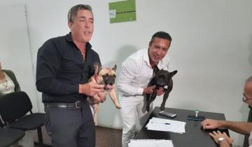 Imagen de Gonzalo y Rodolfo se casaron en Mar del Plata con sus perritos como testigos de la boda