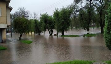 Imagen de Fuerte temporal en Mar del Plata: rige alerta naranja por lluvia