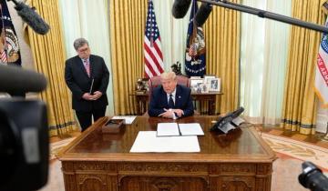 Imagen de EEUU: Trump fue llevado al refugio de la Casa Blanca a raíz de las protestas por el asesinato de George Floyd