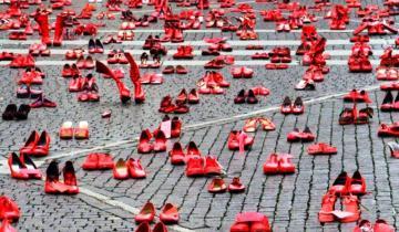 """Imagen de El colectivo Mujeres Dolorenses se suma a """"Zapatos Rojos"""" para decirle no a la violencia de género"""