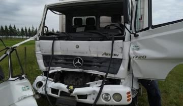 Imagen de Dos heridos leves al chocar dos camiones en la Autovía 2